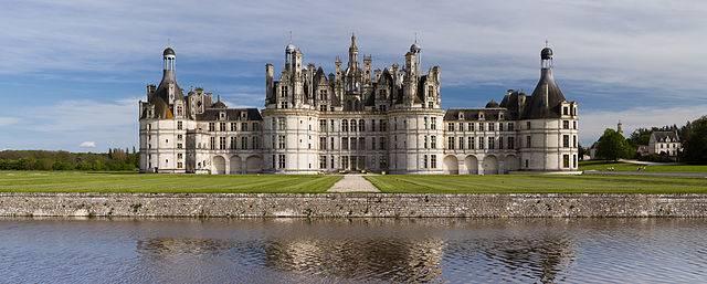 640px-chambord_castle_northwest_facade